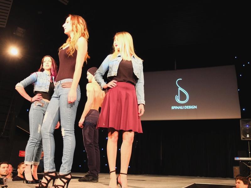 spinali design défilé Jeans Essentiel à avoriaz