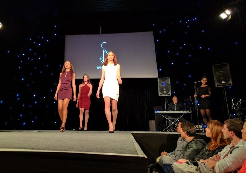 spinali design défilé robe à avoriaz